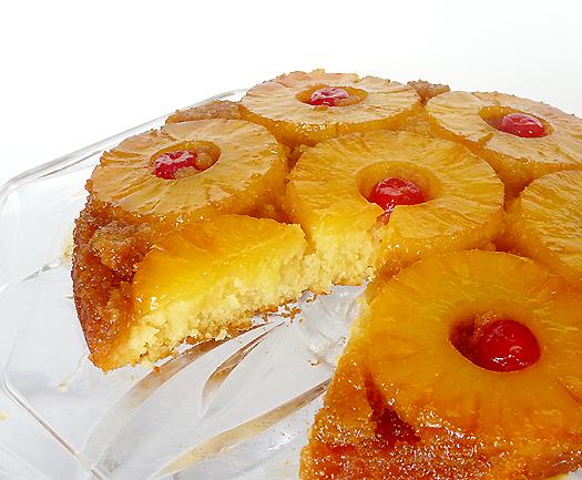 pineapple-upside-down-cake-cut