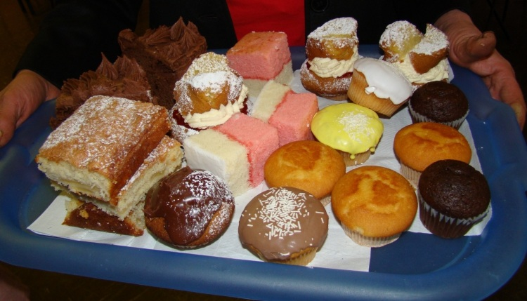 Cakes & Buns